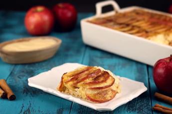 Лучшие рецепты с яблоками: нежная запеканка и оригинальный пирог