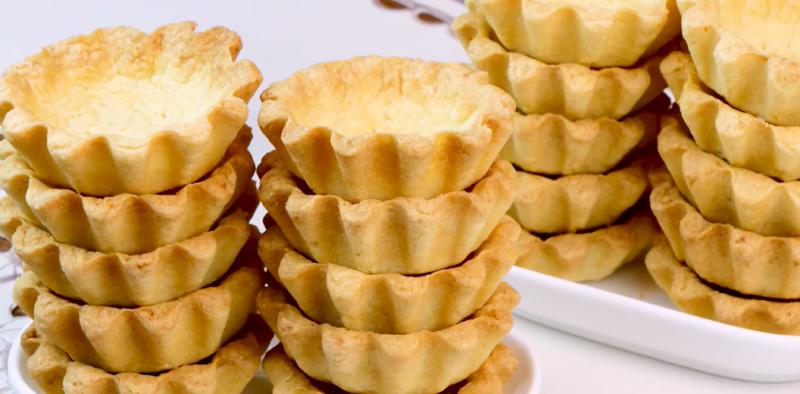 Какой праздничный стол без тарталеток? Экспресс-рецепт песочных корзиночек для новогодних закусок.