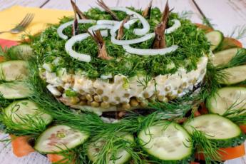 Салат «Старая Рига» готовится из простых продуктов, но его вкус просто божественный