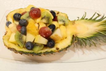 Идеальный салат для любителей экзотики – «Гавайская вечеринка»