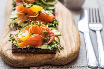 Традиции скандинавских поваров. Как приготовить сморреброд?