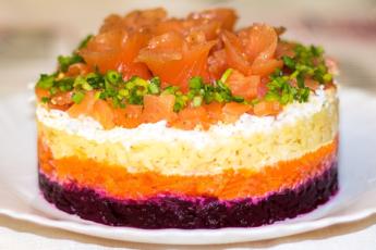 Лосось на «шубе» - кто сказал, что рыба должна быть спрятана в салате?