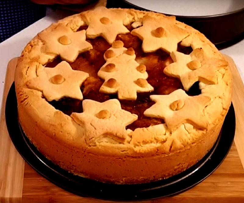 Яблочный пирог из песочного теста. Простой рецепт