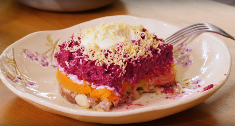 Порционный салат «Селедка под шубой»