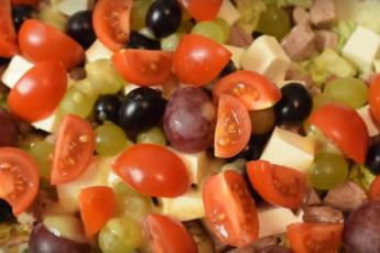 Необычный салат «Радуга вкуса»