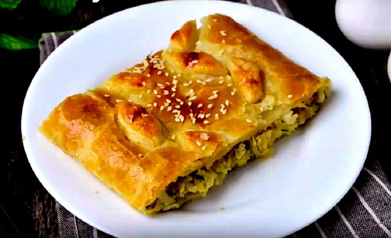 Великолепный пирог с капустой. Быстрый рецепт