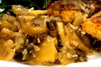 Судак, запеченный с картофелем и грибами