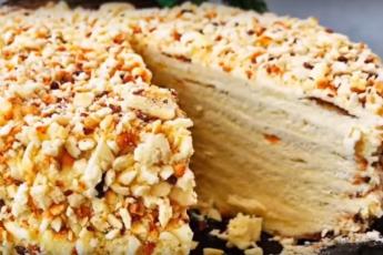 «Наполеон» творогом не испортишь. Нежнейший торт стал еще вкуснее
