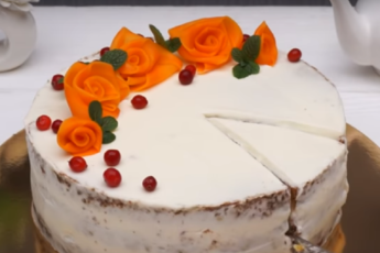 Морковный торт со сладким кремом