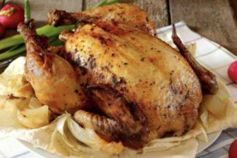 """""""Утопила"""" в кефире и запекла. Изумительная курица на лаваше в духовке"""