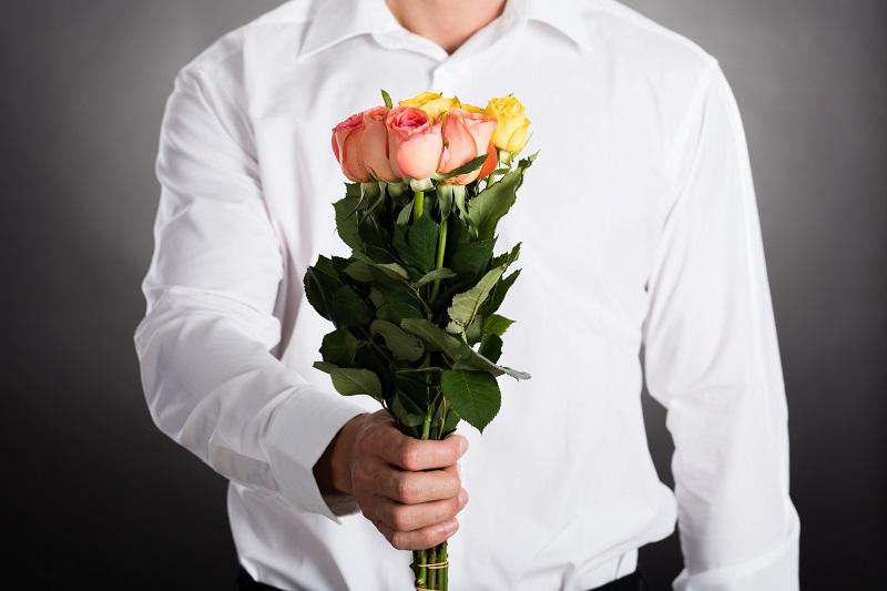 Розы красные фото цветов букет маури помогает