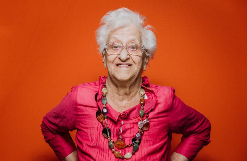 Картинка богатая бабушка