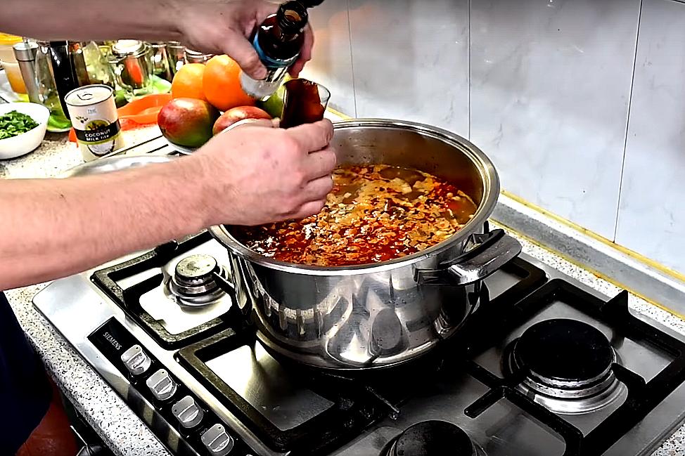 Добавляем устричный соус